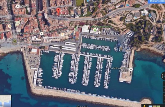 PRO1240<br>Sale of complete building of 5 floors located in the center of Moraira, small tourist town of high standard of the Costa Blanca Alicante.