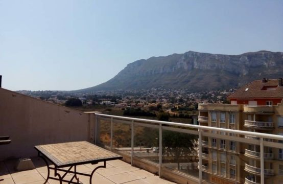 Wonderful penthouse in the center of Denia.