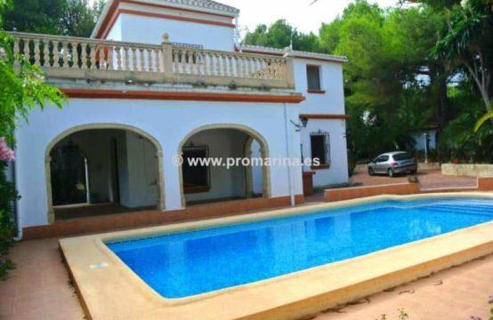 PRO441A<br>Alquiler de magnifica villa de estilo colonial